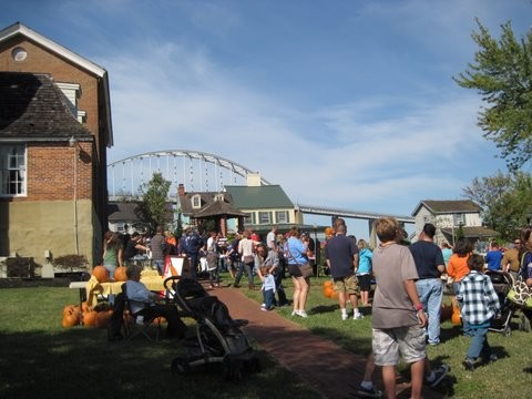 Fall Festival with people in Pell Gardens